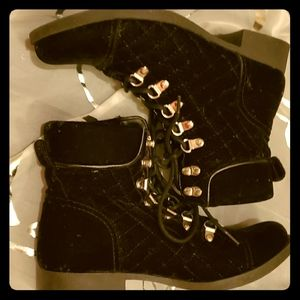 Guess  Suede boots